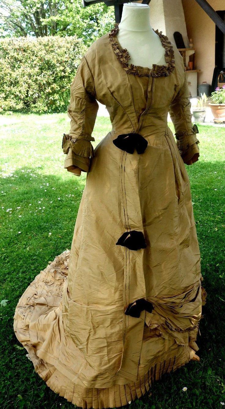 ROBE de RÉCEPTION - En SOIE - 1880 -   Art, antiquités, Meubles, décoration du XIXe, Textiles anciens   eBay!