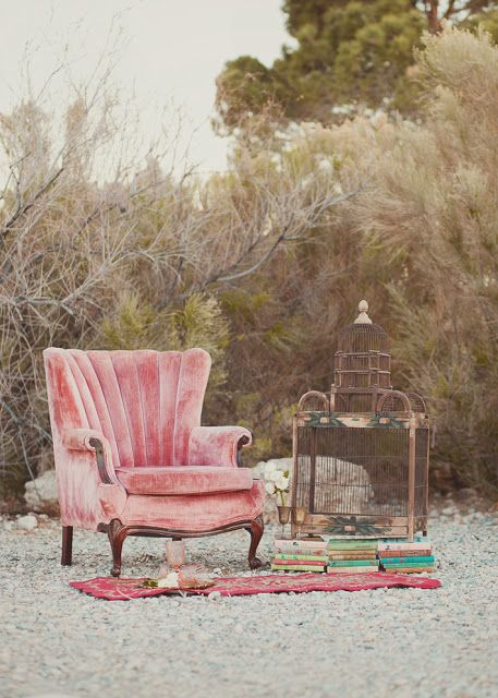 Perfect the look of your vintage wedding with antiques from @nrvintage | Ravishing Rentals: 5 Unique Vegas Event Styling Companies