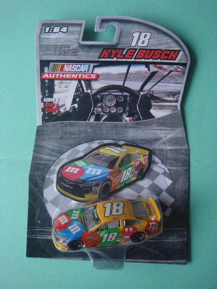 2016 1/64  #18 KYLE BUSCH M&Ms WAVE 6 NASCAR AUTHENTICS