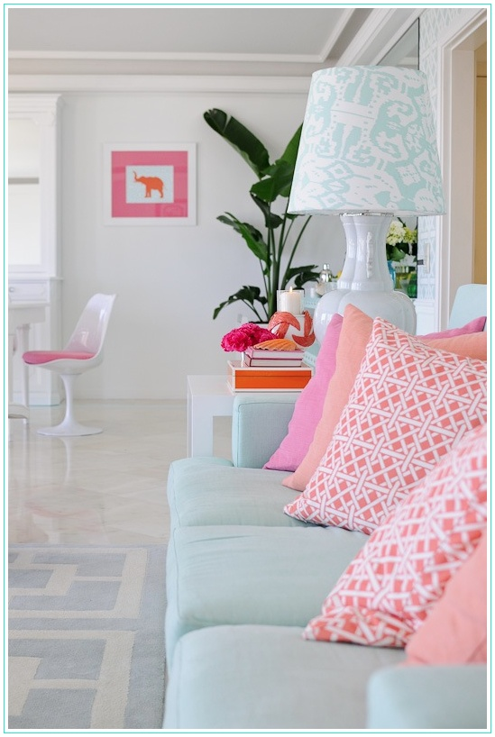 Fabulous use of color while mixing superb patterns! Kudos to designer Maria Barros!