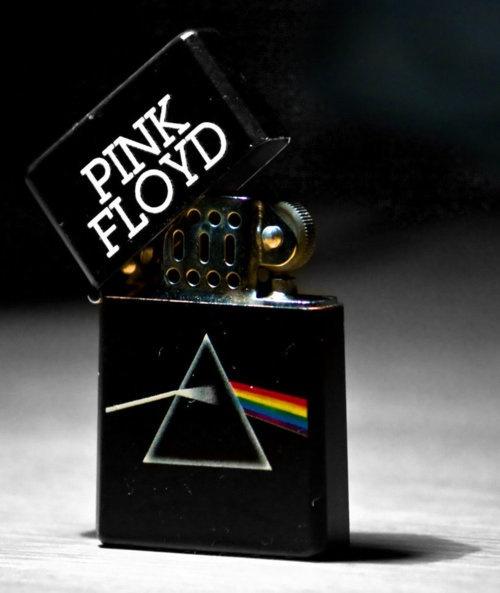 Dark Side of the Moon Zippo. Buen album, buen producto...que falta?