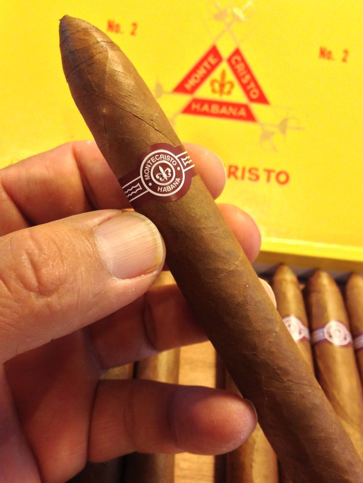 how to cut and smoke a cuban cigar
