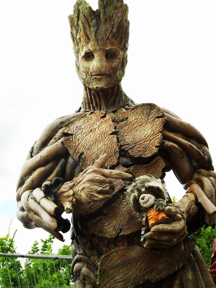 """""""I am Groot""""  I got to paint this guys' suit last week. It was a really nice experience. I think i will try getting more into airbrushing...  Picture by: Cassiel Xavier Sørensen."""