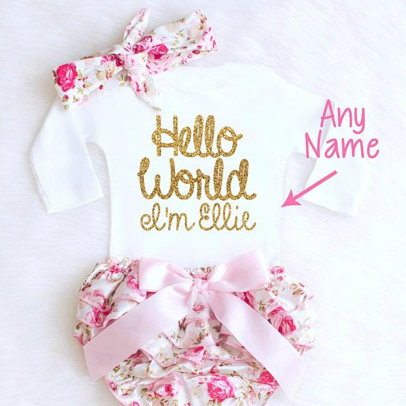 Hello World Floral Outfit is absolutely PRECIOUS!! How pretty will her little name look in this GORGEOUS gold writing?! This adorable outfit is ALWAYS the favorite at every baby shower! Perfect for a Coming Home Outfit, Newborn photo shoot, Baby Shower Gift or the perfect pretty