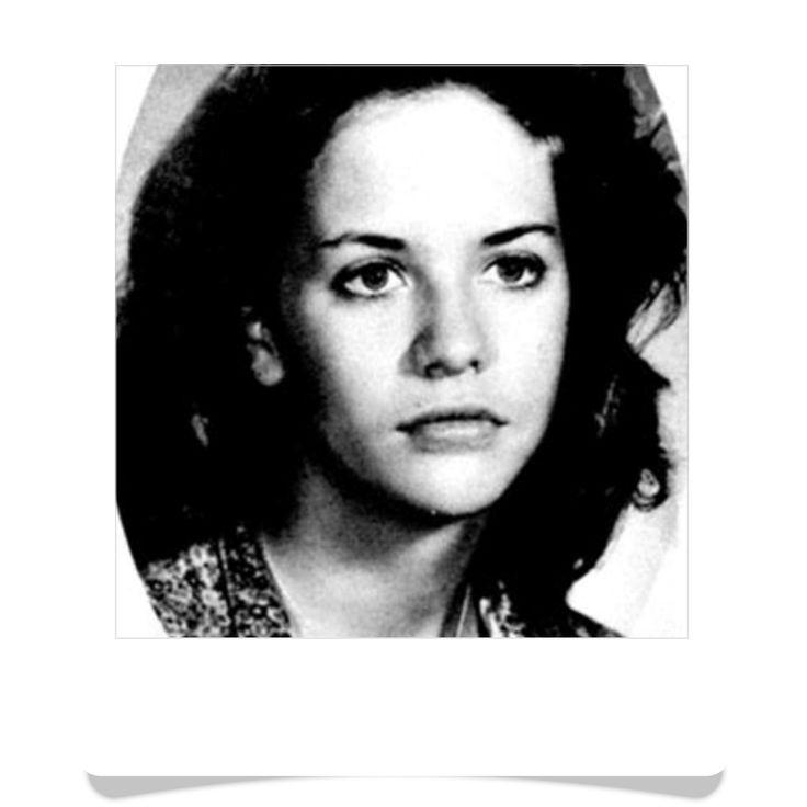 Meg Ryan, née Margaret Mary Emily Anne Hyra le 19 novembre 1961 à Fairfield dans le Connecticut, est une actrice et productrice américaine. Elle a joué principalement dans des comédies romantiques. Wikipédia Naissance : 19 novembre 1961 (54 ans), Fairfield, Connecticut, États-Unis Taille : 1,73 m Époux : Dennis Quaid (m. 1991–2001) Enfants : Jack Quaid, Daisy True Ryan Parents : Susan Jordan Duggan, Harry Hyra