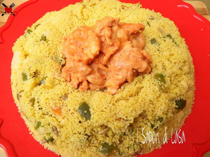 Bocconcini di pollo tandoori con cous cous ai semi di girasole e peperoni