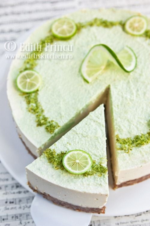 Lime Cheesecake - Raw! All healthy, no sugar, no butter, no eggs, no cheese! Website in Romanian - use translator tool.