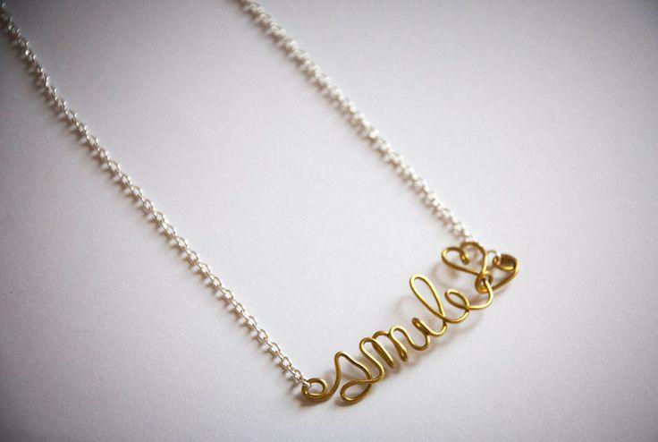 """Collana girocollo con scritta personalizzata """"Smile"""" by HandmadeWithLove via it.dawanda.com"""