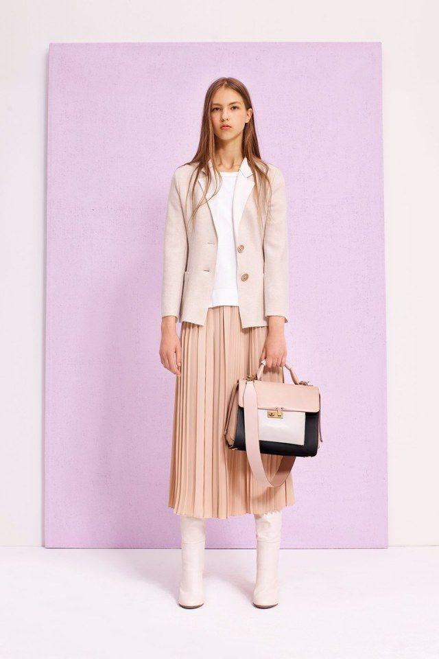 Светло розовая шифоновая длинная юбка в мелкую складку 2017 - фото обзор коллекции Agnona.