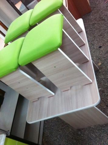 Другая мебель для гостиной - стол 4 табуретки в Бишкек на Lalafo.kg