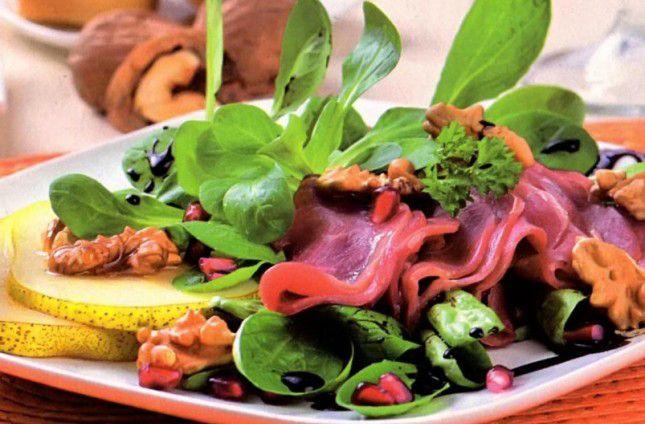 Пряный салат с вяленым мясом, это очень вкусный и нежный салатик, который несомненно понравится каждому своим ярким вкусом, а так же замечательным внешним видом. Именно такое блюдо выходит очень сочным, а так же ярким, аппетитным, полезным и ароматным. Пряный салат понравится не каждому именно из-за своей пряности и необыкновенного вкуса, но попробовать все же стоит. Времени и сил приготовление блюда у вас много не отнимет, зато результат великолепный, что очень хорошо. Итак, давайте купим…