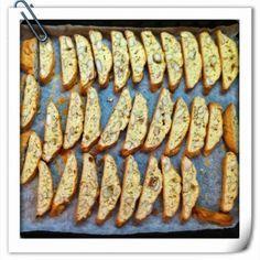 Questa è una ricetta velocissima e facile da preparare ma soprattutto sono buonissimi…   Il nonno è stato poco bene e adora biscott...
