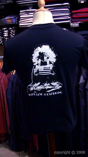 """Tee-shirt Breizh Attitude Totem. Rendez-vous à la boutique """"Breizh Attitude"""" dans la Grand'Rue à Morlaix"""