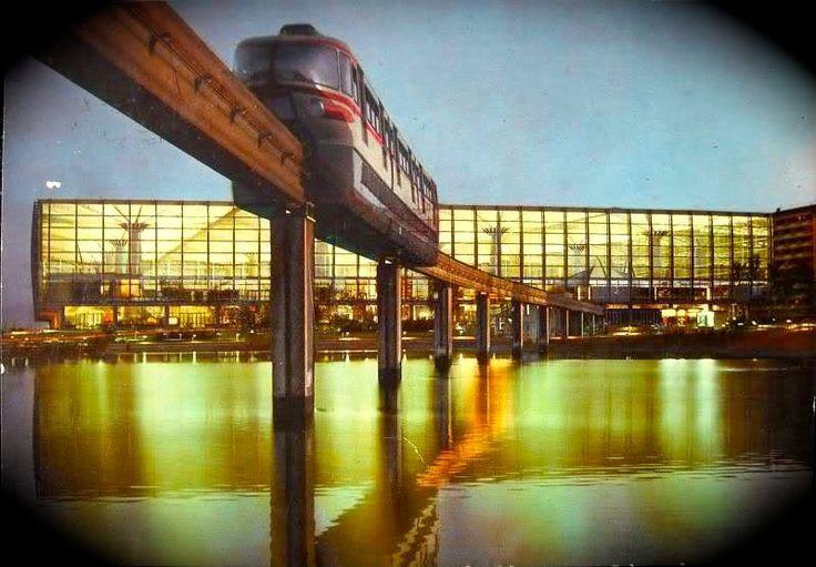 La monorotaia di Torino fu un sistema di trasporto ferroviario realizzato dalla Alweg nel capoluogo piemontese nel 1961, in occasione dell'Esposizione Internazionale del Lavoro e dei contemporanei festeggiamenti per il centenario dell'Unità d'Italia. La monorotaia cessò l'esercizio pochi mesi dopo il termine della manifestazione.