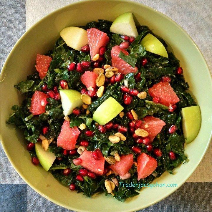 トレーダージョーズのトスカーナケールとフルーツのサラダ Trader Joe's Organic Tuscan Kale