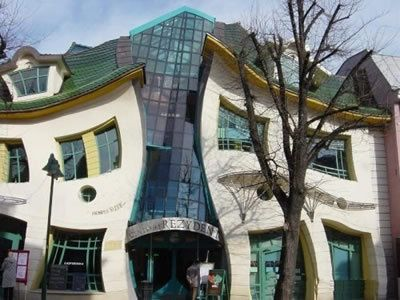 Strangest homes for sale architectural anarchy 15 weird for Unusual houses for sale in us