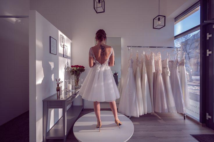 Aleksandra Miroslaw SS 2017 bridal collection. #weddingdress #shortdress #bridalgown