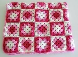 Heklet teppe/bestemorruter - rosa