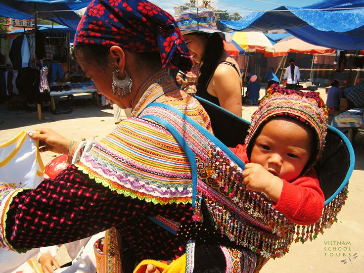 Going to the market with Mom #sapa #Vietnam #people #baby