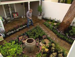 Want all the charm of a traditional cottage garden? Graham shows you how to get the look in the harsh Australian climate. With some preparation, a little maintenance and the right plant selection you can have a water-wise cottage garden that is both hardy and full of colour!
