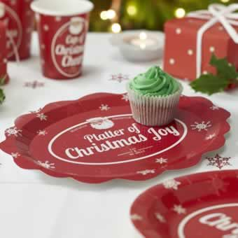 A fabulous bright and cheerful red fluted edge plate with the snowflake motif and traditional jolly Santa face, is a must for Christmas entertaining. Use it for sandwiches and savouries or mince pies and cakes for a