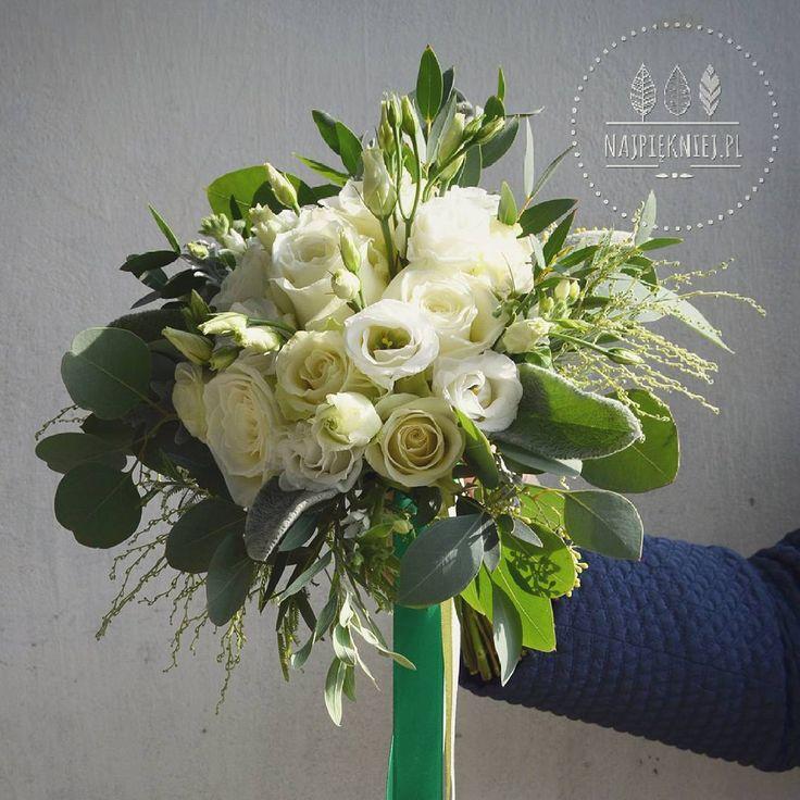 Bukiet ślubny Justyny   #wedding  #wesele #slub #bouquet #bukiet #dekoracje #autumn #jesień #white #green #wreath #greenery #love #nature #inspiration #october #decoration #nature #withlove  #flowers  #kwiaty #instagood #beauty #photoftheday #followme #ilovemywork