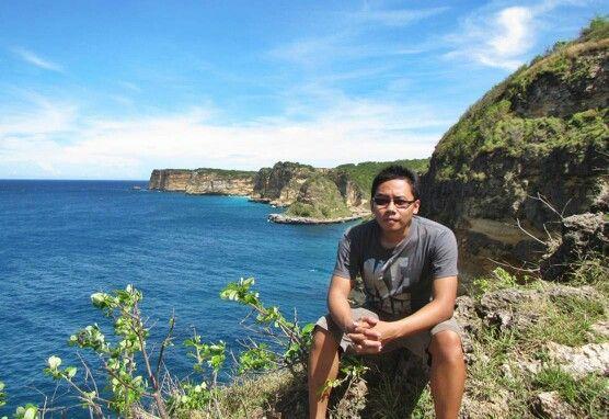 Berlatar Tanjung Bloam, Lotim