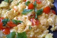 Greek Quinoa Breakfast Scramble – Gluten Free