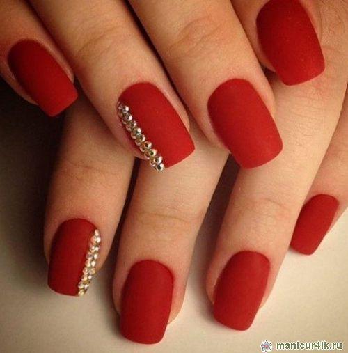 дизайн ногтей красно золотой