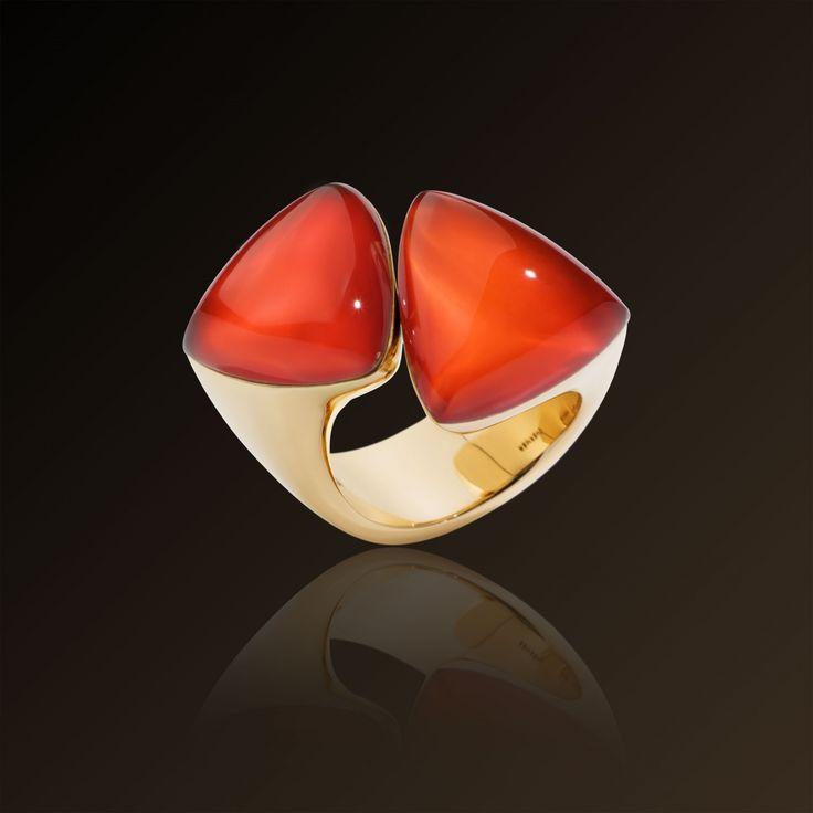 Freccia - Vhernier, yellow gold, carnelian, rock crystal ring. Made in Italy