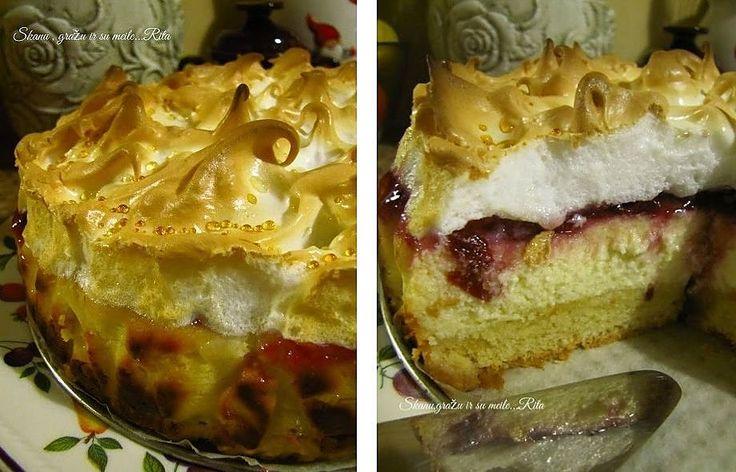 Romantiško pavadinimo angeliškas pyragas pravirksta gintarinėmis ašaromis. Daugelio išgirtam nuostabaus skonio pyragui pagaliau atėjo eilė ir mano virtuvėje. Kai pyragas atvėsta, ant jo paviršiaus pasirodo lašeliai – angelo ašaros, tik reikia kantrybės jų sulaukti.