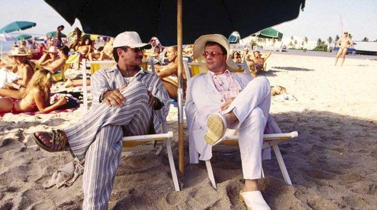 Il film da vedere stasera, 19 ottobre - Piume di struzzo Piume di struzzo – LocandinaCari amici, questa sera alle ore 21.20 su La7d (Canale 29) va in onda una commedia davvero esilarante , con il grande Robin Williams, Nathan Lane, Dan Futterman e Gene Hac #piumedistruzzo