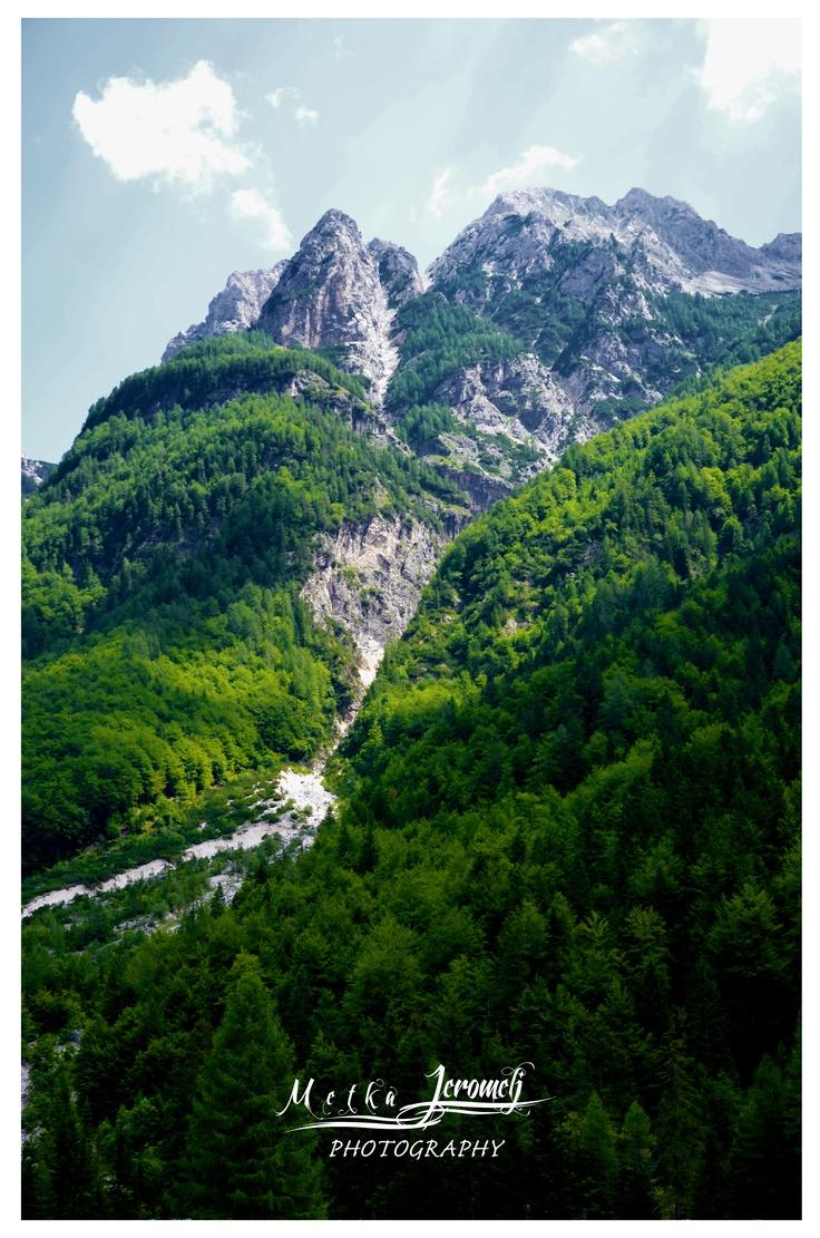 pogled na goro iz kekčeve dežele