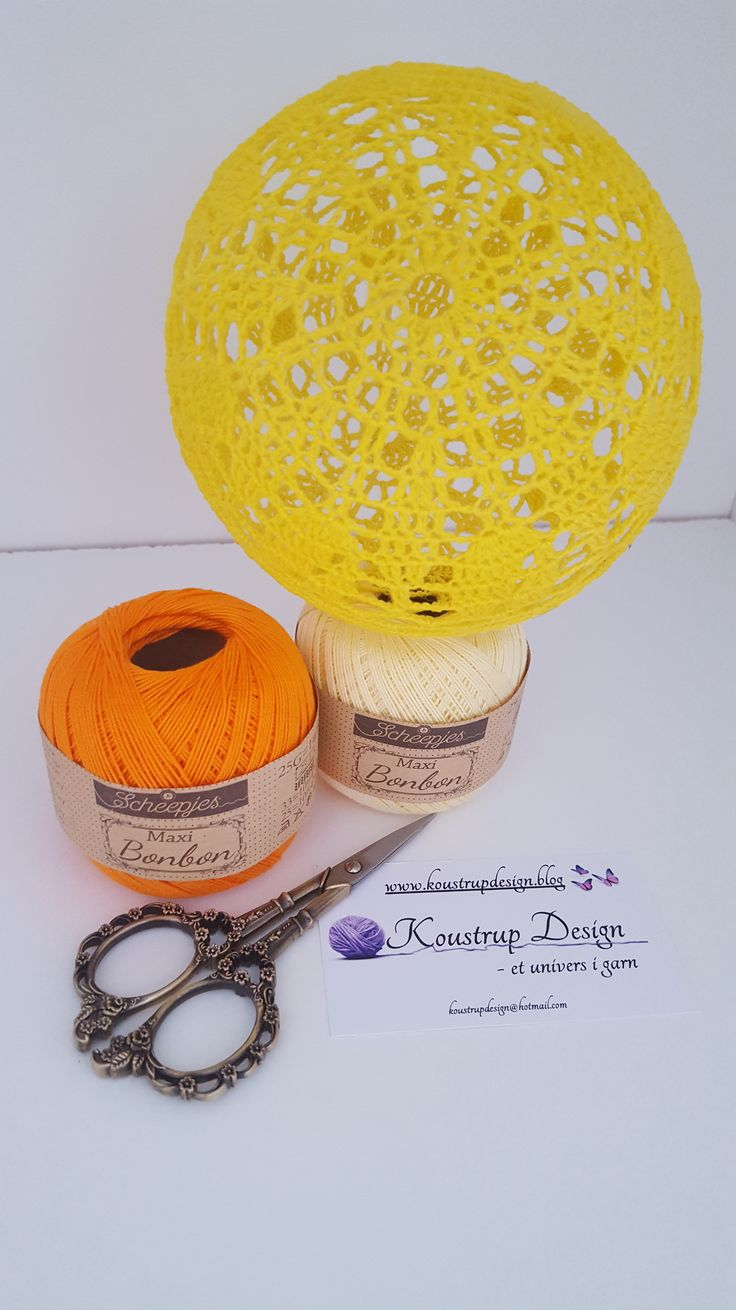 Brug for hjælp? Find svar på de mest stillede spørgsmål til lyskuglerher. Materialer: Bomuld –hæklet i Scheepjes Maxi bonbon –Lemon(ca. 13 gram) Hæklenål 2,0 Trælim Rund ballon Plastikbøtte Lys…