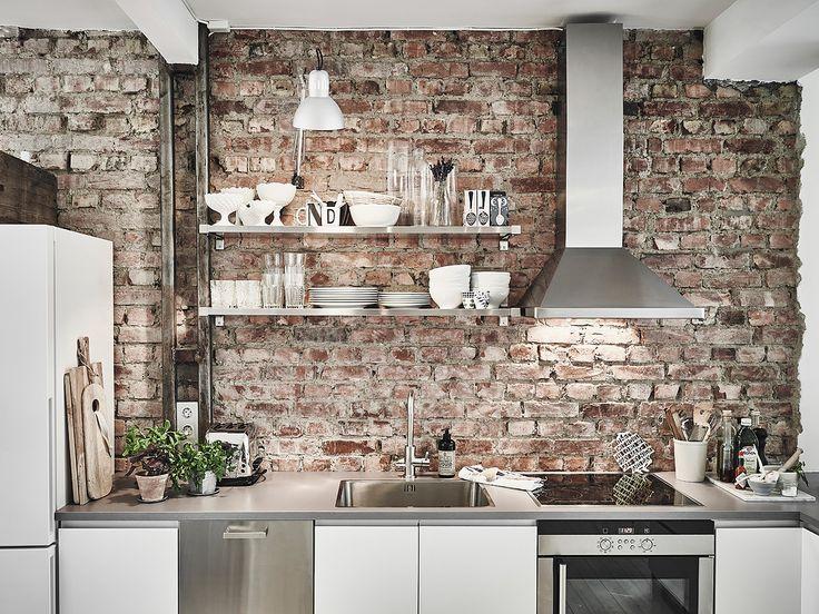 """Cuisine """"rustique chic"""" avec un beau mur de briques  home-tour-scandinave-cuisine-mur-brique-mademoiselle-claudine"""