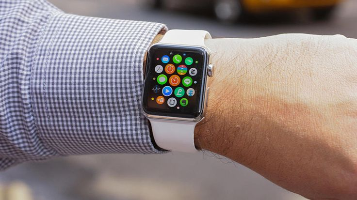 Wearables sales are booming, with Fitbit and Apple leading the way and Chinese companies not far behind.
