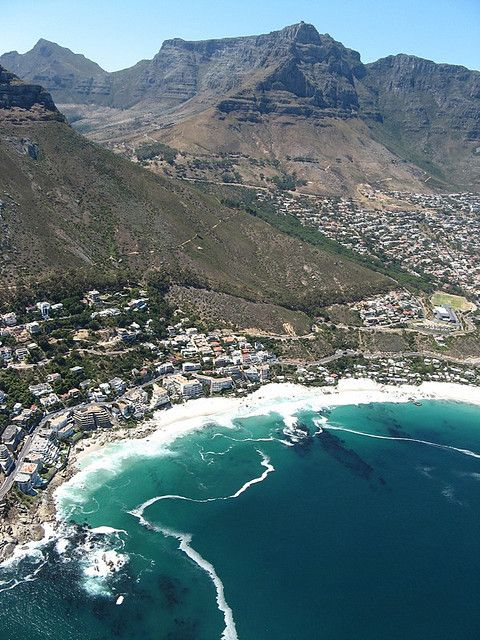 ✮ Clifton Beaches with Table Mountain and Devil's Peak - South Africa