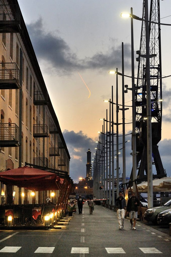 Old Port, Genua, Italy. Architectural project: RPBW. Lighting products: iGuzzini…