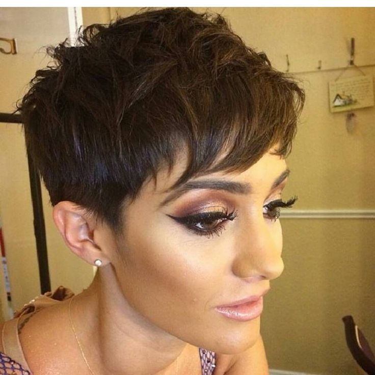 Sei una ragazza tutto pepe? Allora dai un'occhiata a questi splendidi tagli di capelli corti perfetti per donne sexy!