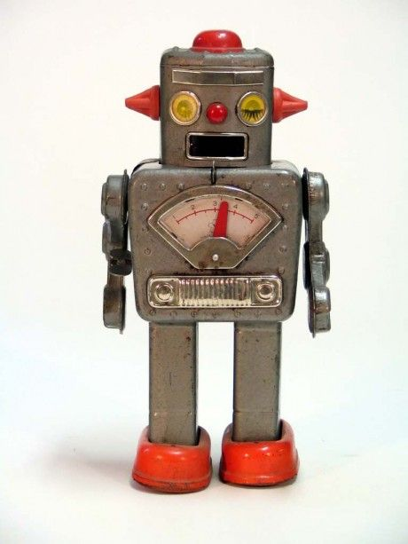 I love these old vintage tin robots, probably not a practical toy for the kids these days, but I love 'em