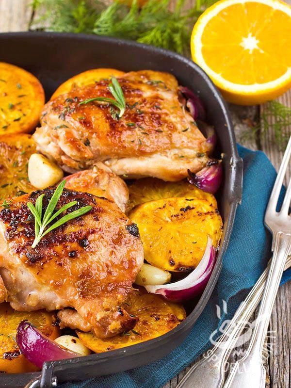 Spicy orange chicken - Il Pollo piccante all'arancia verrà apprezzato dagli amanti della cucina orientale e nordafricana. Per la cottura in forno provate a usare la tajine. #polloarancia