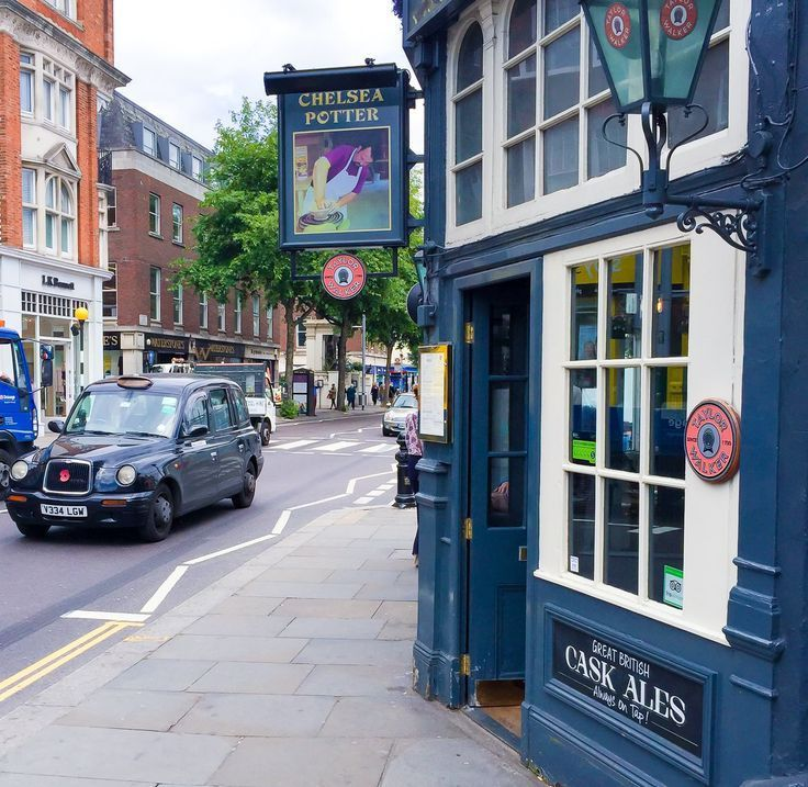 The Chelsea Potter pub on the King's Road in London makes a great stop to fuel up for more shopping.