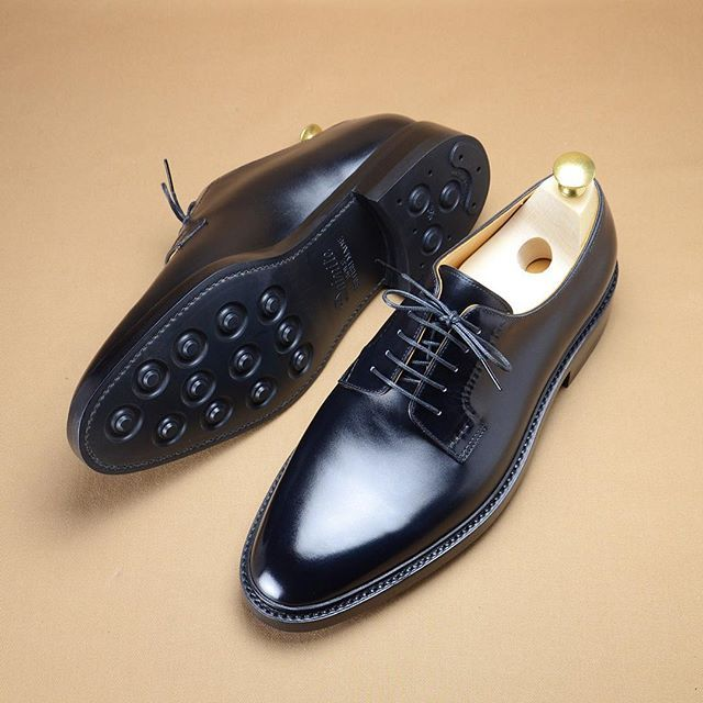 Simple plan toe derby for daily wear. #hiroyanagimachi #bespokeshoes                                                                                                                                                                                 More
