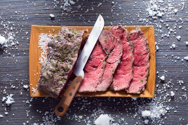 Ricetta Roast beef in crosta di sale - Le Ricette di GialloZafferano.it