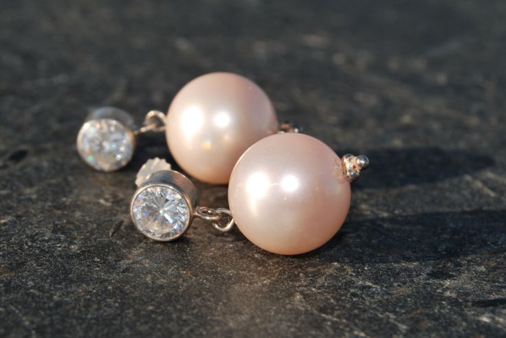 Blush pearls and crystal earrings by NorthernlightsNO on Etsy