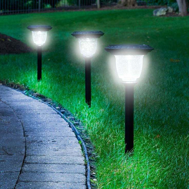 The Best Solar Walkway Light - Hammacher Schlemmer