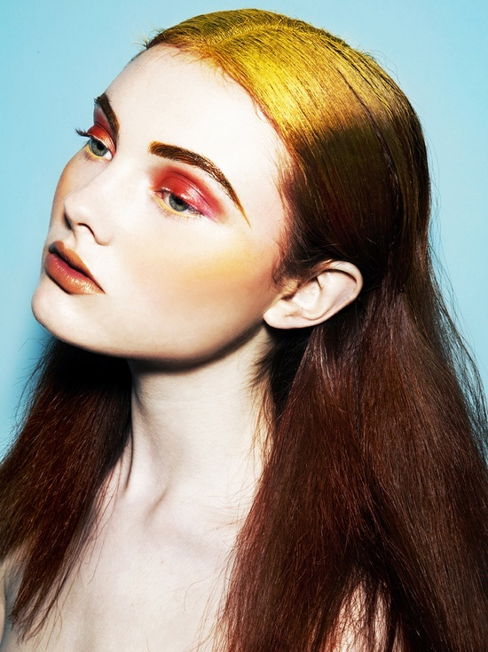 bold roots and makeup