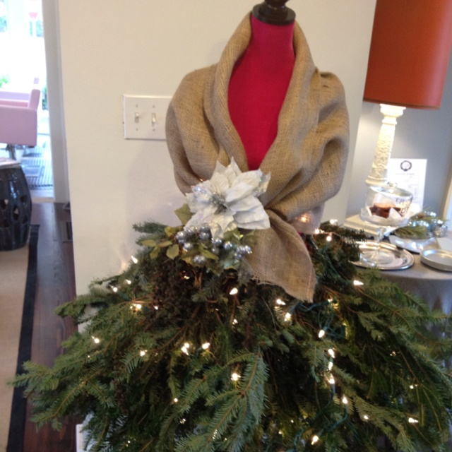 17 best images about salon decorating ideas on pinterest for Salon xmas decorations