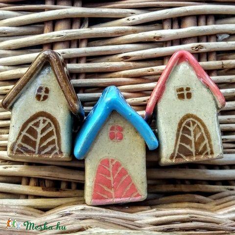 Meseházikó karácsonyfadísz #ceramic #house #ceramichouse #christmas #decoration