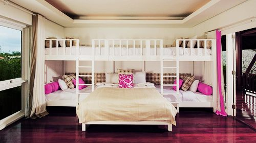 : Shared Girls Rooms, Cool Bunk Beds, Huge Beds, Lakes House, Dreams House, Teens Girls Rooms, Sleepover Rooms, Bunk Rooms, Awesome Rooms